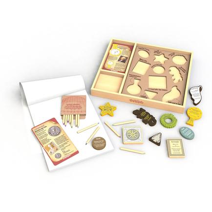 Arty Facts Shaping History Vol1 - Art Kit & Stencil Set